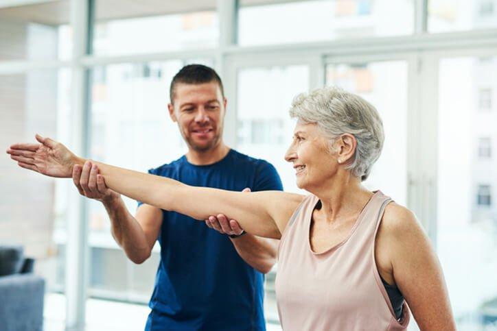 woman shoulder rehab  - Dr. Parsons recognized best shoulder replacement surgeons portsmouth nh